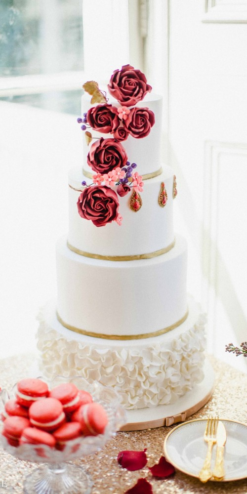 White and red roses cake