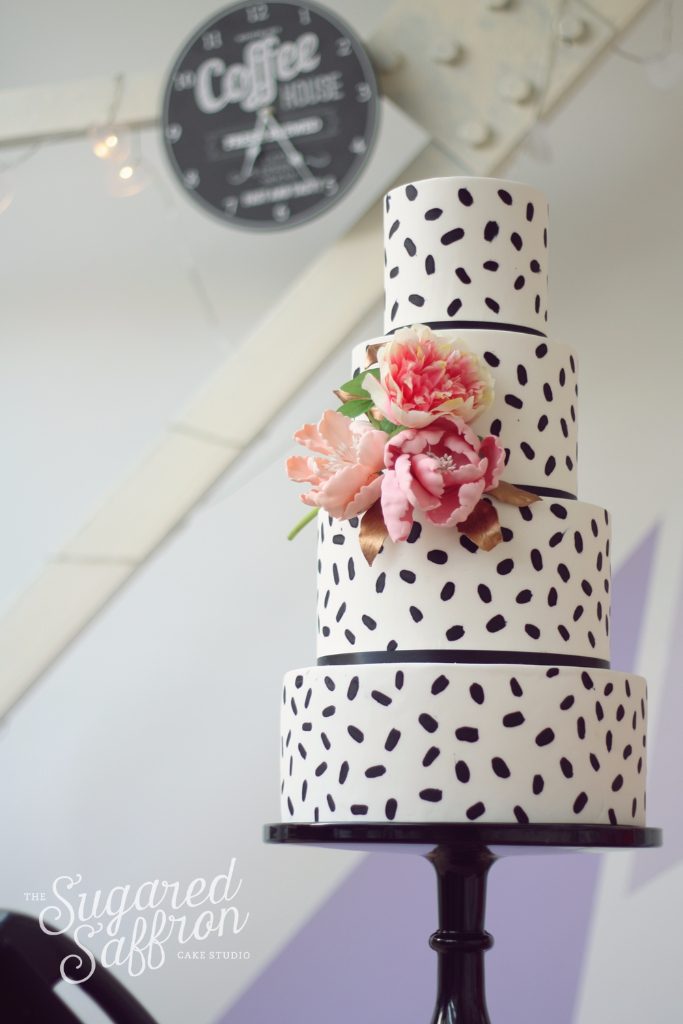 Modern wedding cake black by sugared saffron in London