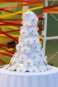 fresh flower wedding cake from london designer sugared saffron