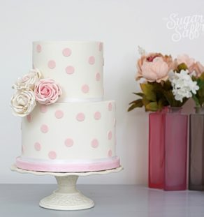 Polka dot with roses cake class
