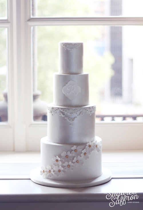 wedding cake at st pancras renaissance