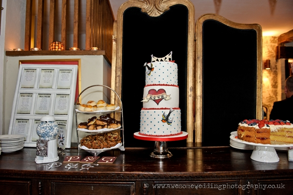 Rockabilly wedding cake