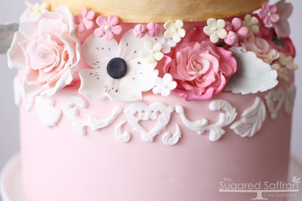 Wilton baroque mould cake