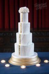 Marble wedding cake with gold stripe
