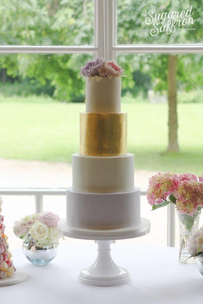 morden hall wedding cake