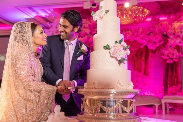 wedding cake cutting at jumeirah london
